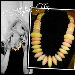 Jewelry - 🎨PASTEL BEADED NECKLACE